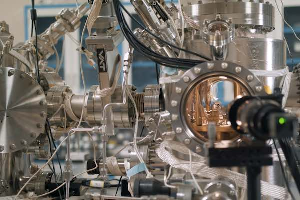 Video Scanning tunneling microscope gets upgrade that could enable