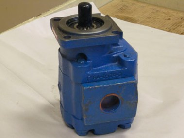 "P5000C531 Pump, 7/8""Spline, Roll-Off"