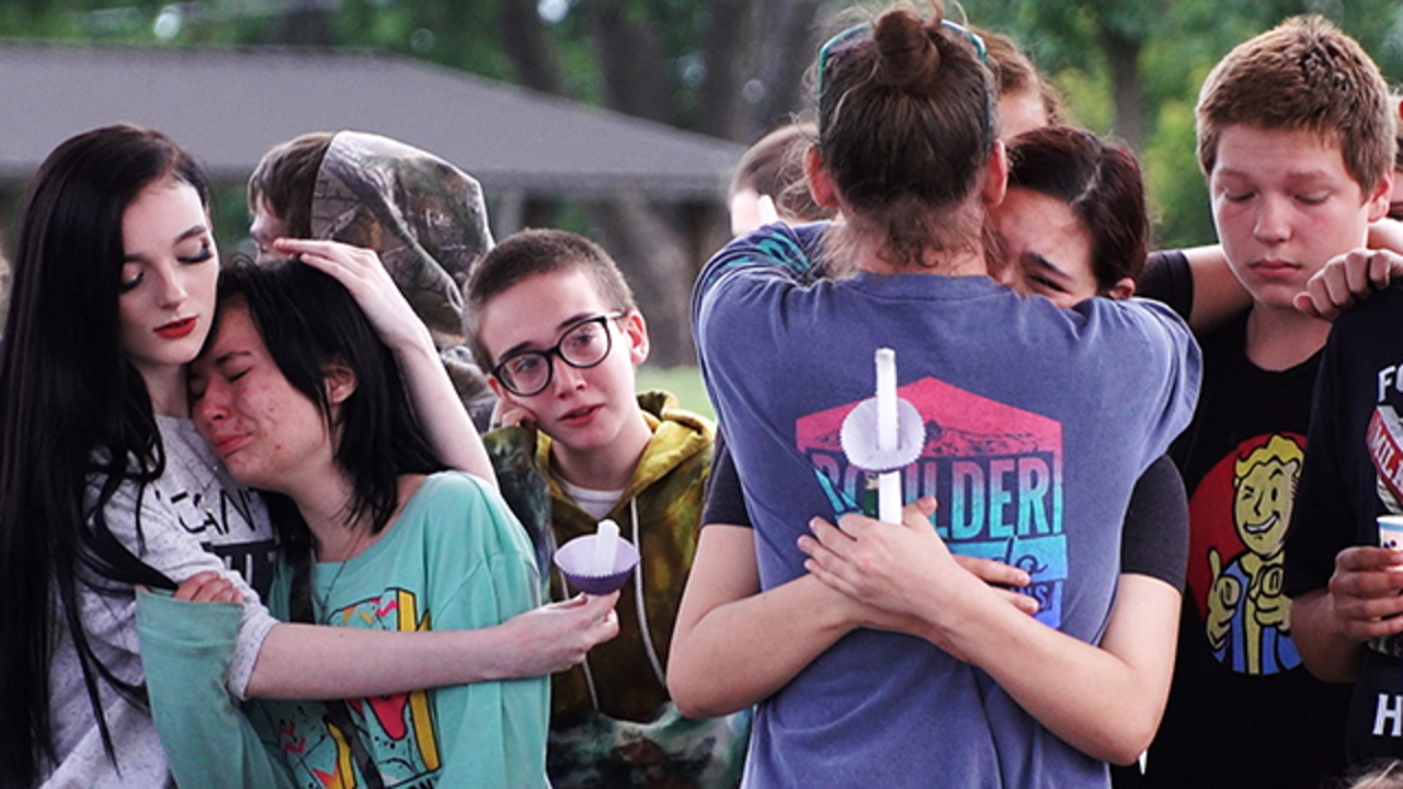 Teeni Zimmer Belton Gathers For Grief Love And Strength Over Teen Deaths The