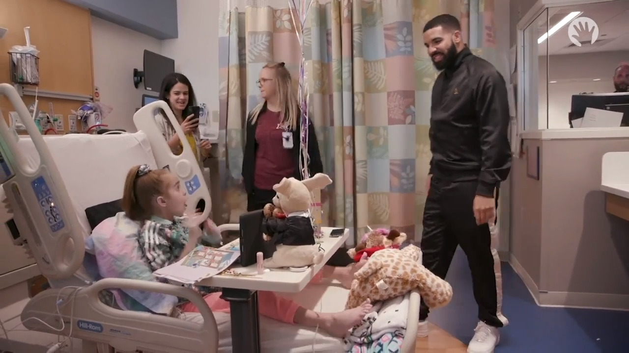 Toca Hair Salon Me Gratuit Drake Surprises 11 Year Old Girl Waiting For Heart Transplant