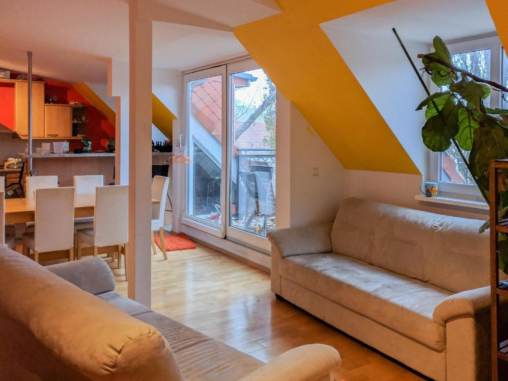 Homestay Shared Flat In Fun Art District Berlin Germany Booking Com