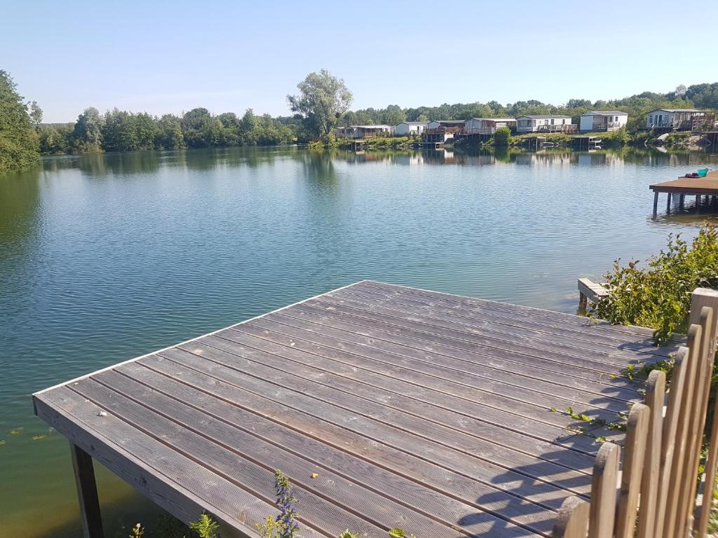Campsite Les Prés De La Fontaine Gouaix France Booking Com