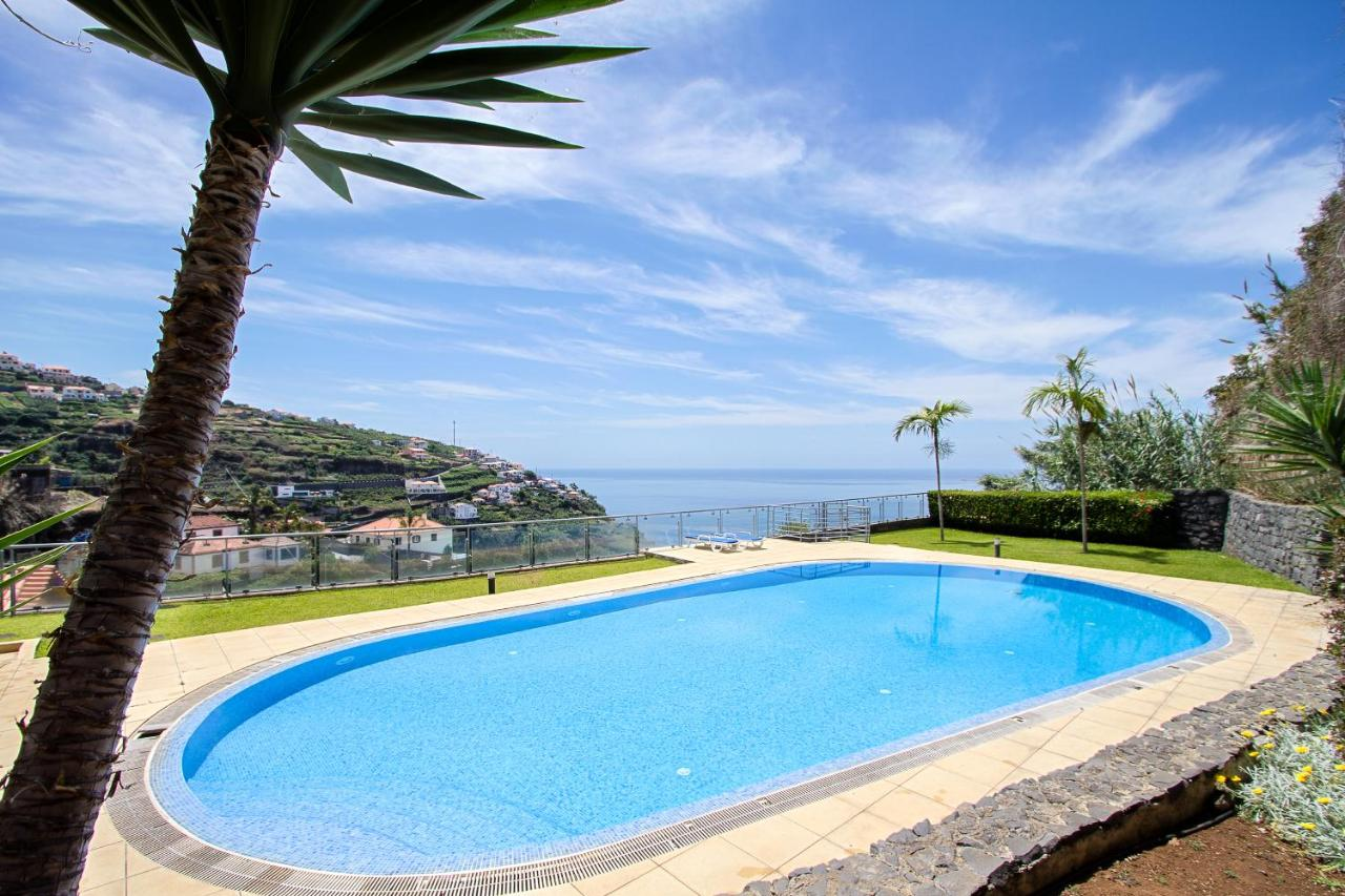 Pool Hanglage Peace Haven, Calheta (9.4/10) | Updated 2021 Prices