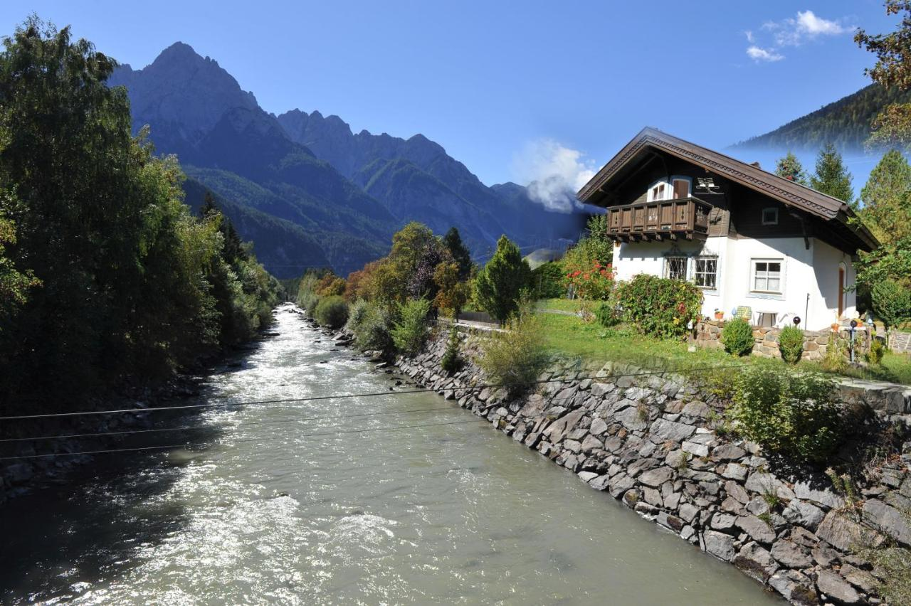 Real Bettdecken Rosis Cottage, Lienz, Austria - Booking.com