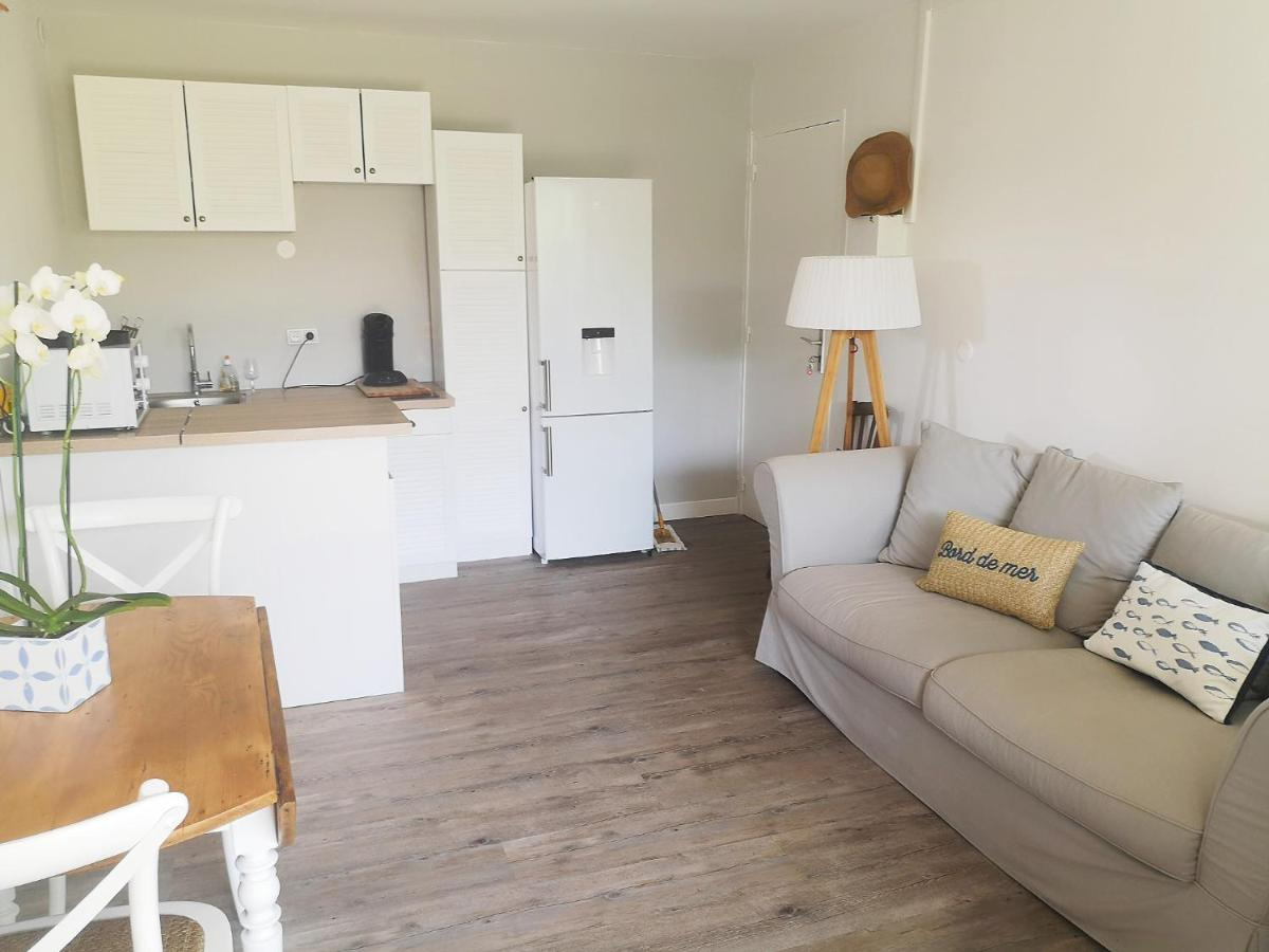 Appartement T 2 Rénové En Rdc Grand Jardin Narbonne Plage France Booking Com
