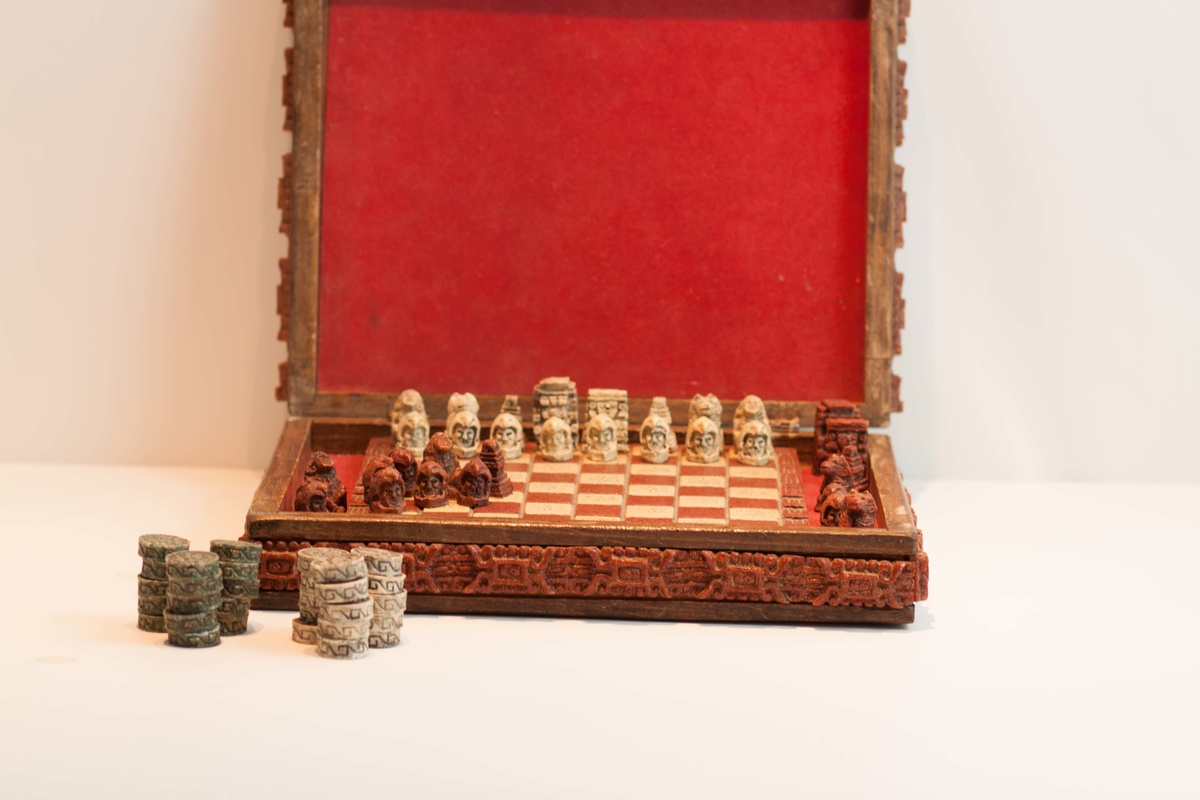 Collectors Chess Sets Chess Backgammon Board Collectors Weekly