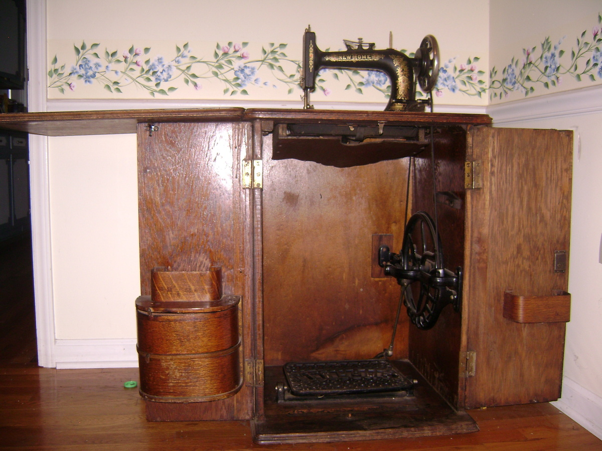 Value Of Antique Singer Sewing Machine In Cabinet - Antique Singer Sewing Machine Cabinet Value - Nagpurentrepreneurs