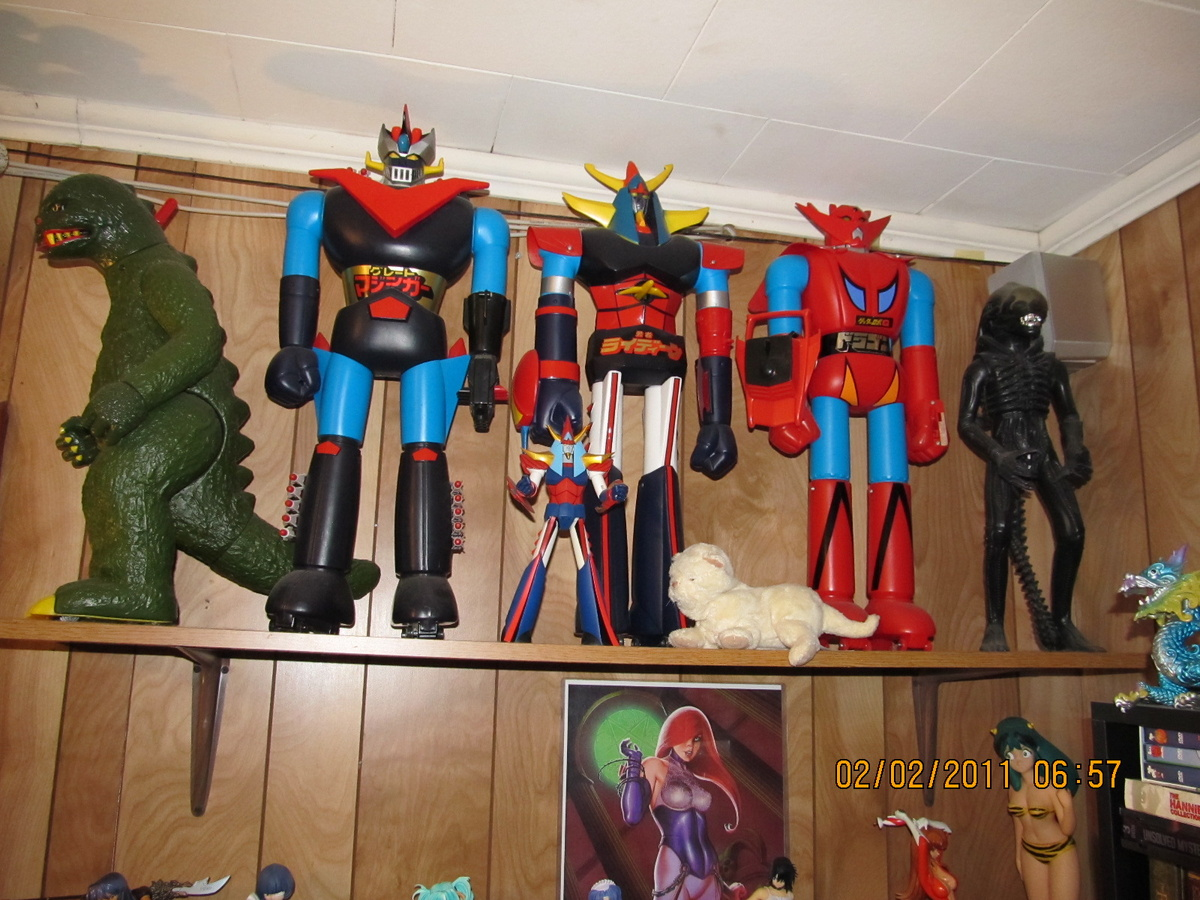 Clocks 1970's Shogun Warriors & Godzilla | Collectors Weekly