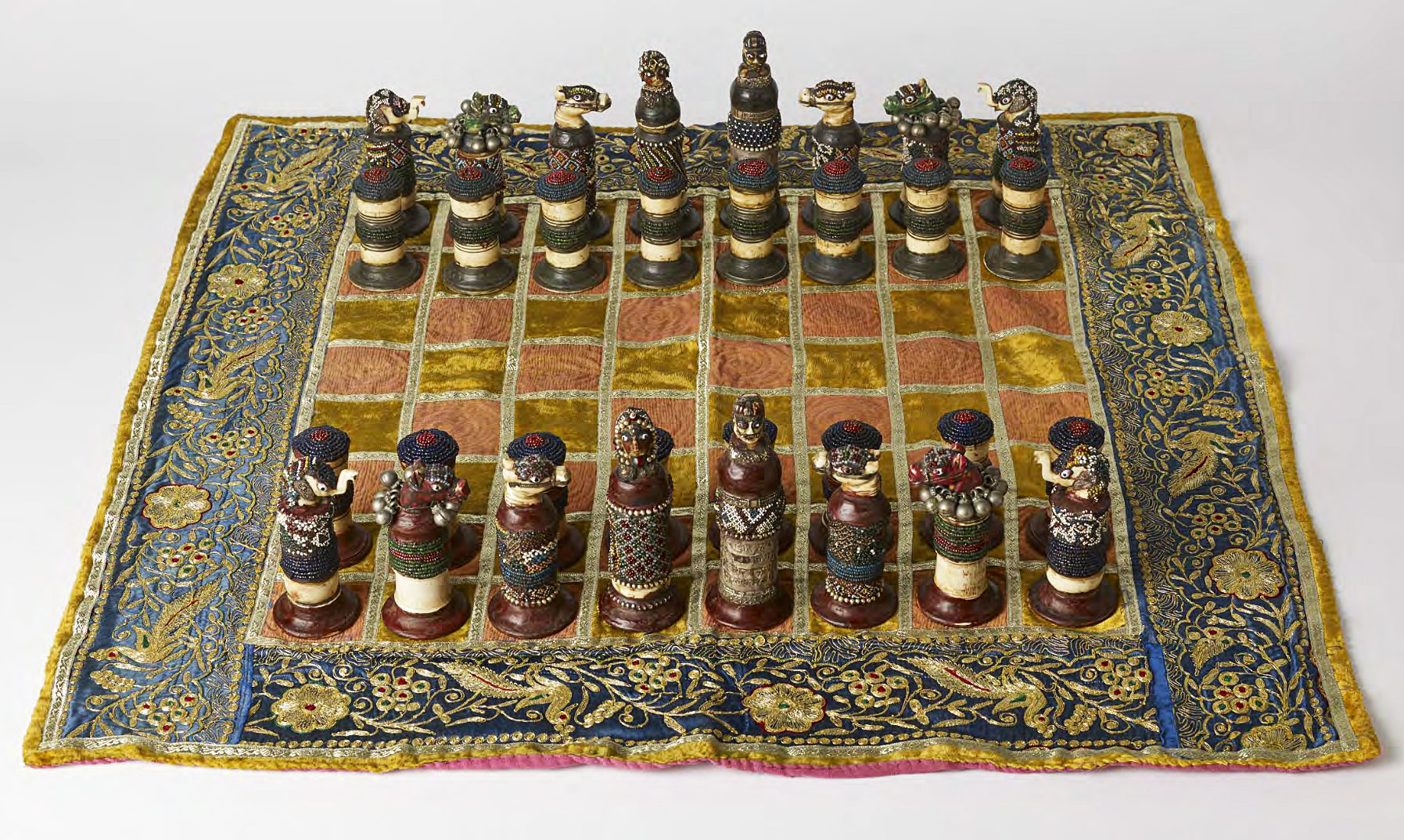 Collectors Chess Sets The Art Of War Exquisite Chess Sets Once Captured The