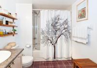 Cool Shower Curtain Ideas   LoveToKnow