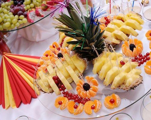 Comfortable Fruit Platter Ideas For Weddings All The Best Fruit In ...