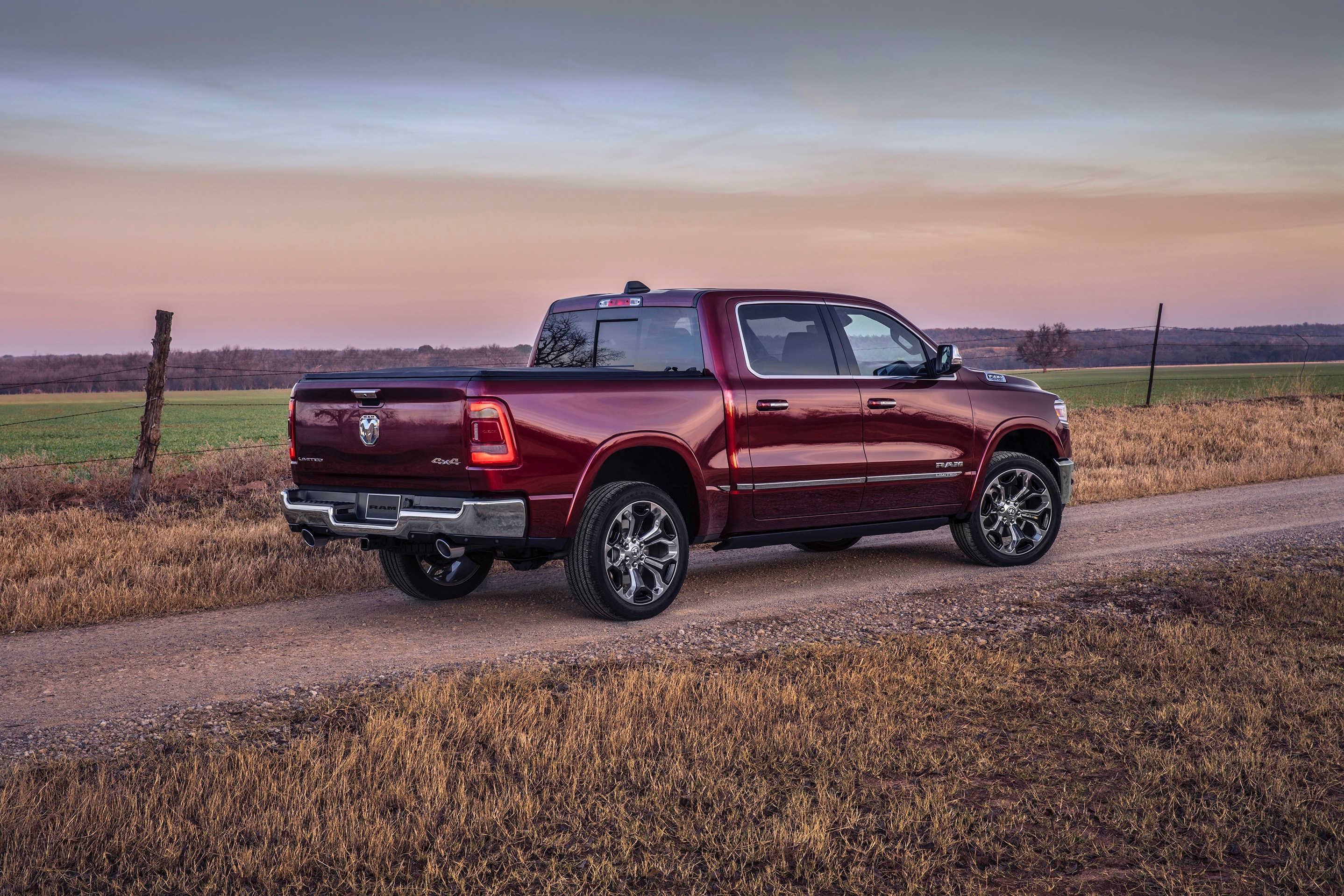 Toyota Camry Hd Wallpapers How Does The 2019 Ram 1500 S Hybrid System Work Carfax Blog