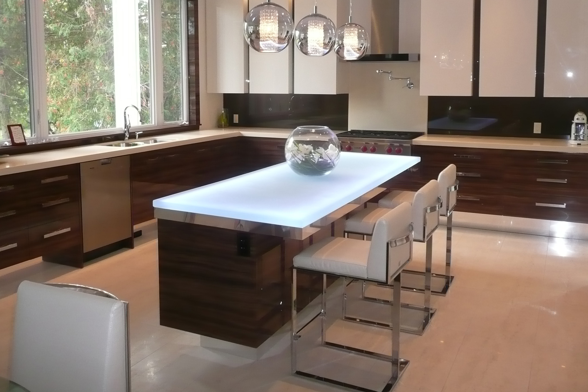 6 popular glass countertop types glass kitchen countertops Glass Kitchen Island Countertop kitchenisland3