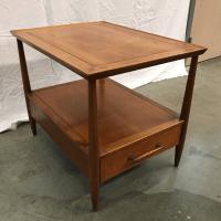 Henredon Mid Century Side Table | Chairish