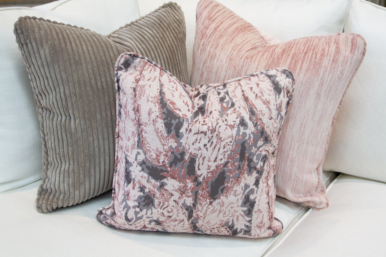 Chameleon Style 12 Days Of Pillows 2018 Blush Day 6 Chameleon Style