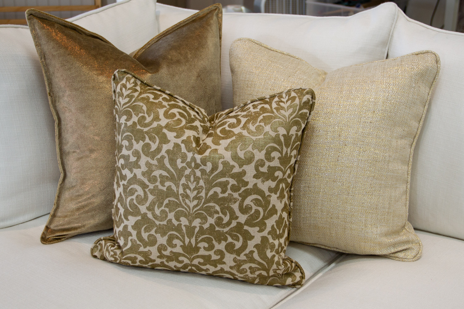 Chameleon Style 12 Days Of Pillows 2018 Golden Glam Day 11 Chameleon Style