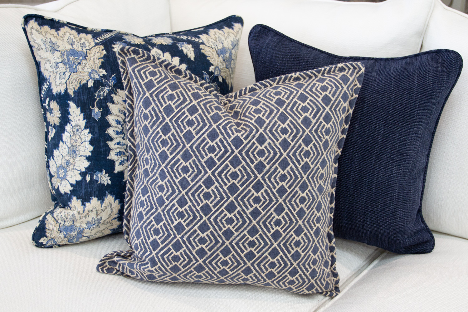 Chameleon Style 12 Days Of Pillows 2018 Indigo Evening Day 9 Chameleon Style