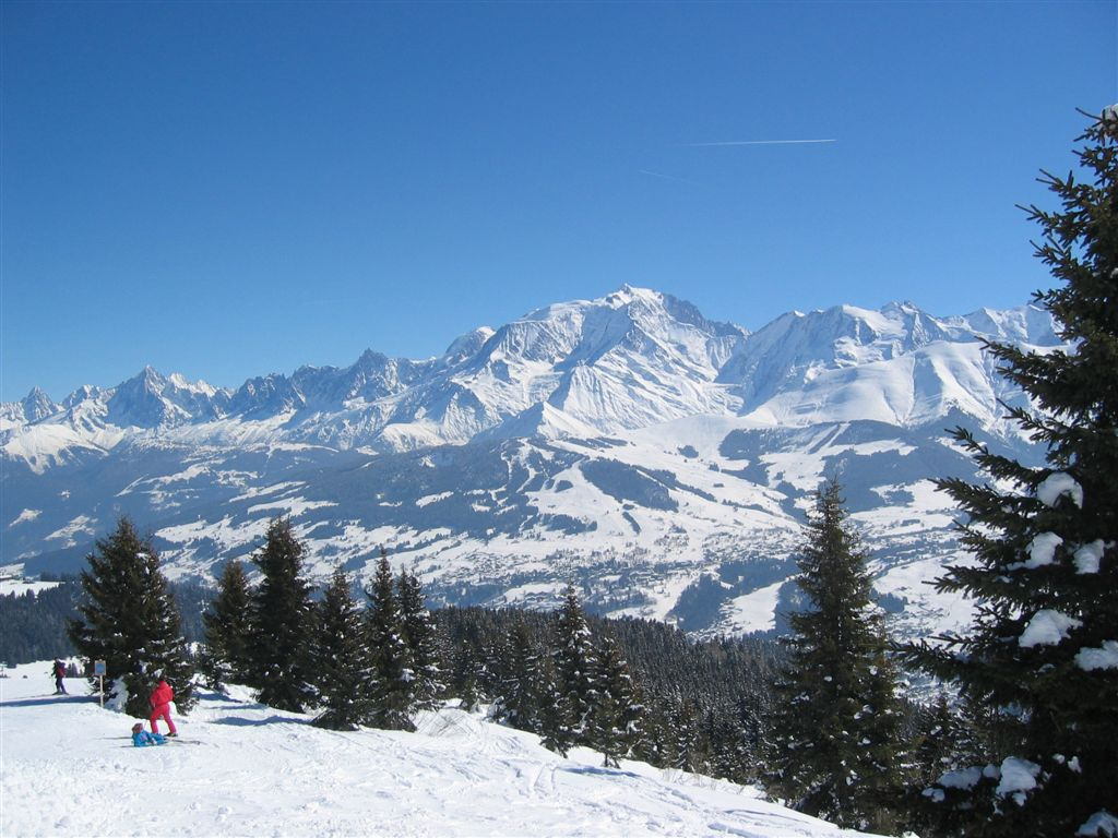 Office Tourisme Megeve Free Access To Évasion Mont Blanc Ski Area With Mbu