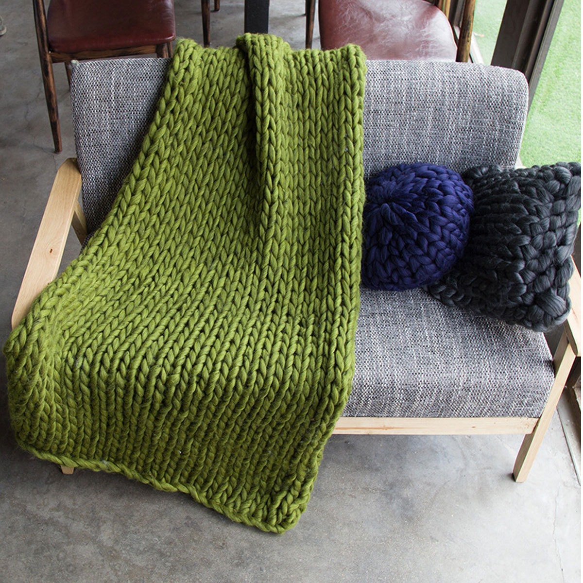 Knitted Furniture Fluffy Chunky Knitted Thick Crochet Blanket Hand Yarn