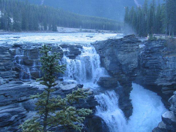 King Falls Am Wallpaper Athabasca Falls Jasper National Park In Alberta Canada