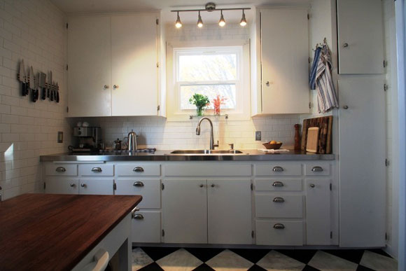 stainless-steel-countertops-kitchen.jpg