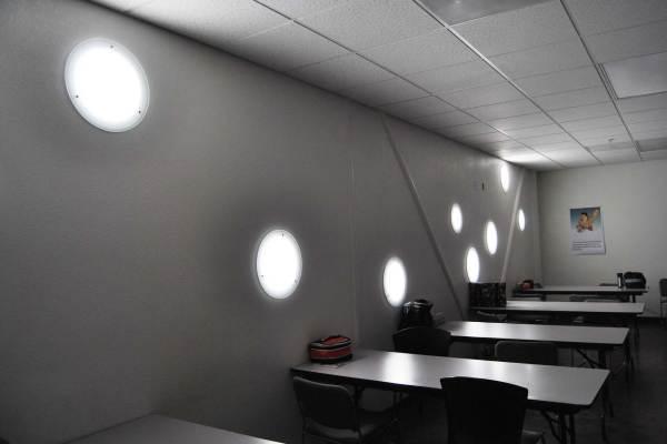 Vertical/Wall lighting