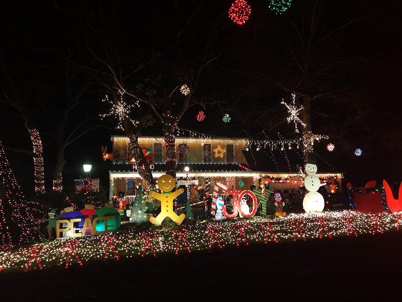 Best Place For Christmas Decorations 10 Best Places To See Christmas Lights In And Around Charlotte