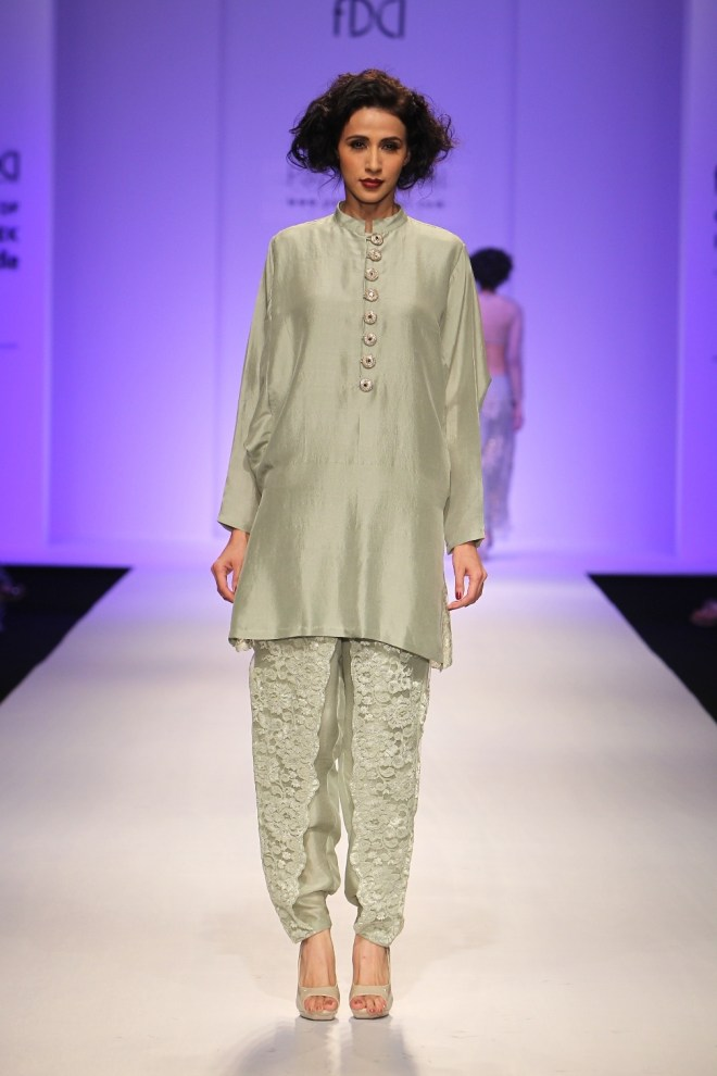 Payal Singhal Collection at AIFW AW 2015 (4)
