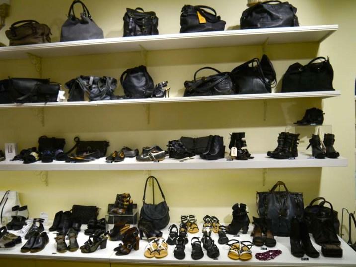 nickel italian shoes and bags la boutique avec les plus beaux sacs de rome charonbelli 39 s. Black Bedroom Furniture Sets. Home Design Ideas
