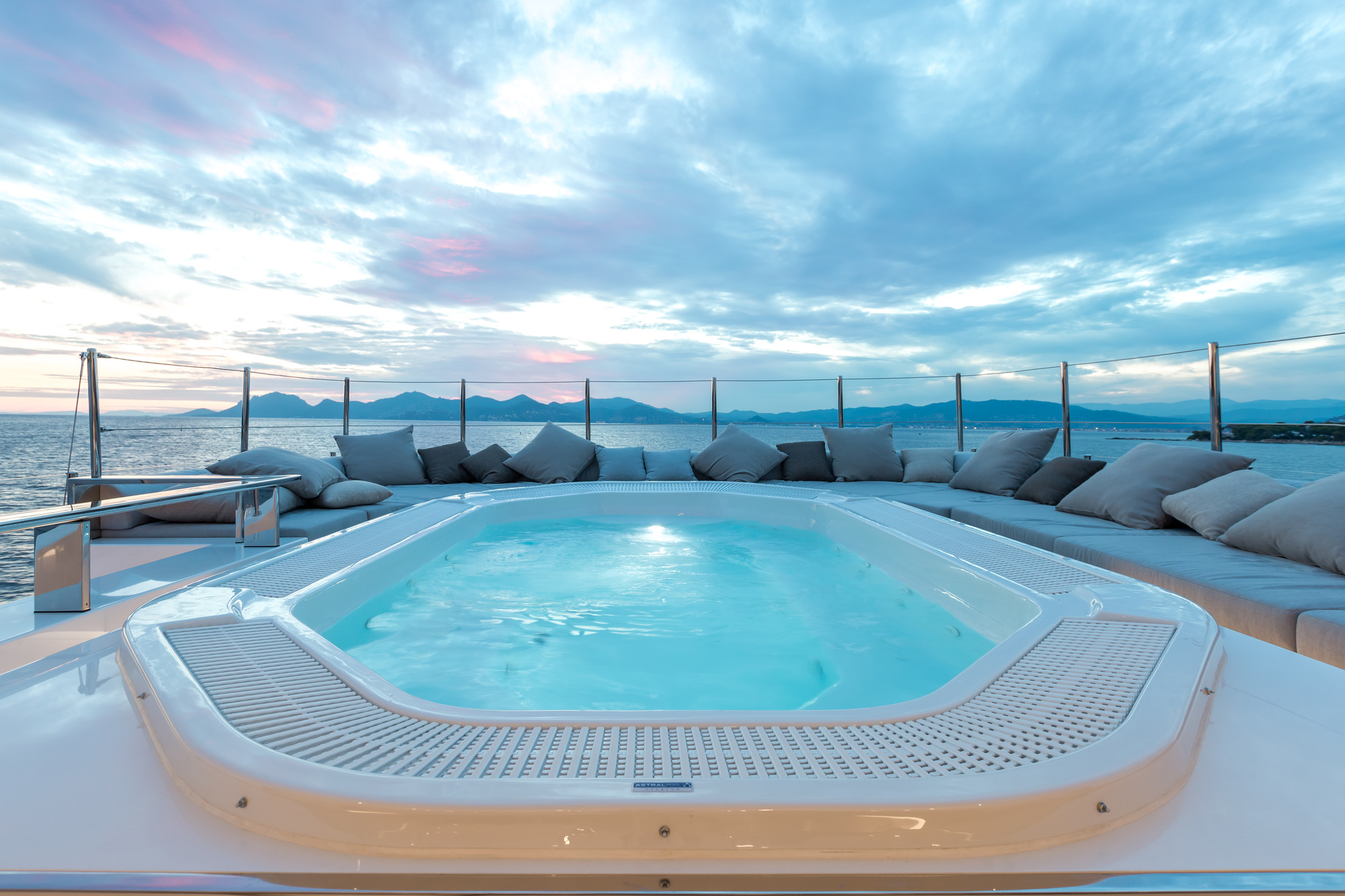 Jacuzzi Pool Equipment Reviews Jacuzzi Pool Copy Yacht Charter And Superyacht News