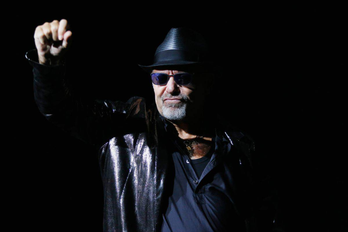 Video E Vasco Rossi Vasco Rossi Vittima Di Una Truffa Sui Diamanti Video