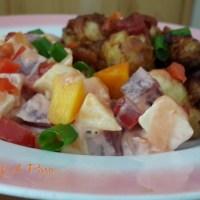 Chicharrón de Pollo con Ensalada de Verduras y Frutas
