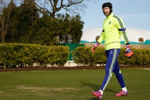 Football - Chelsea Training - Chelsea Training Ground, London, England - 10/3/15  Chelsea's Petr Cech arrives for training  Action Images via Reuters / John Sibley  Livepic  EDITORIAL USE ONLY.