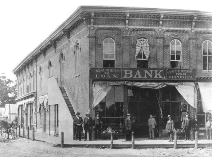 Tour-08_glazier-bank-1870s