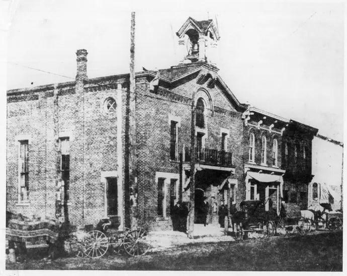 Tour-09_SylvanTownHall-1883