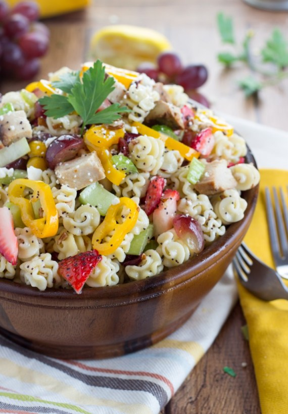 The BEST lemon poppyseed dressed pasta salad! And it's good for you!