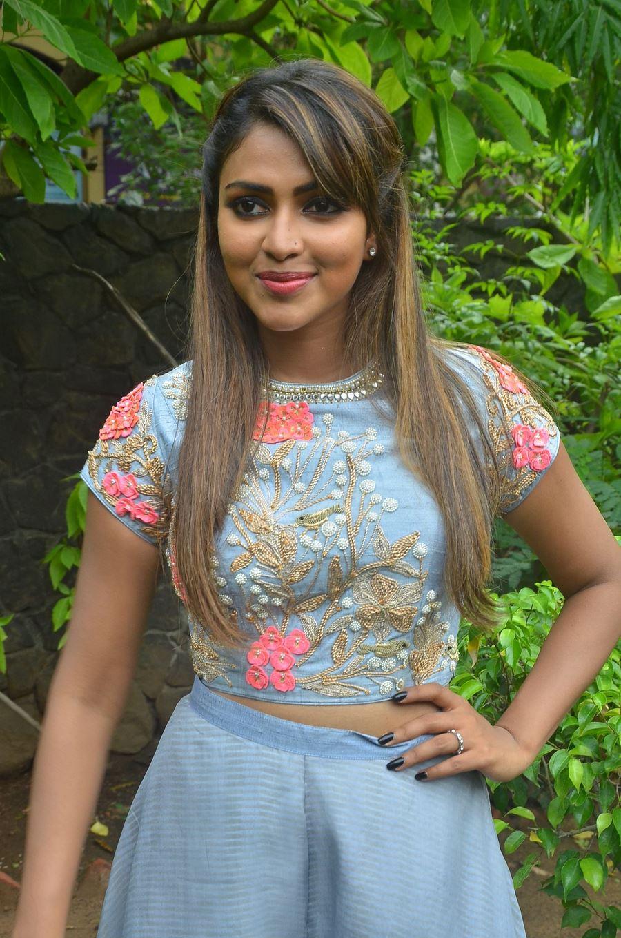 Cute Surya Wallpapers Chennai365 Actress Amala Paul Stills Chennai365