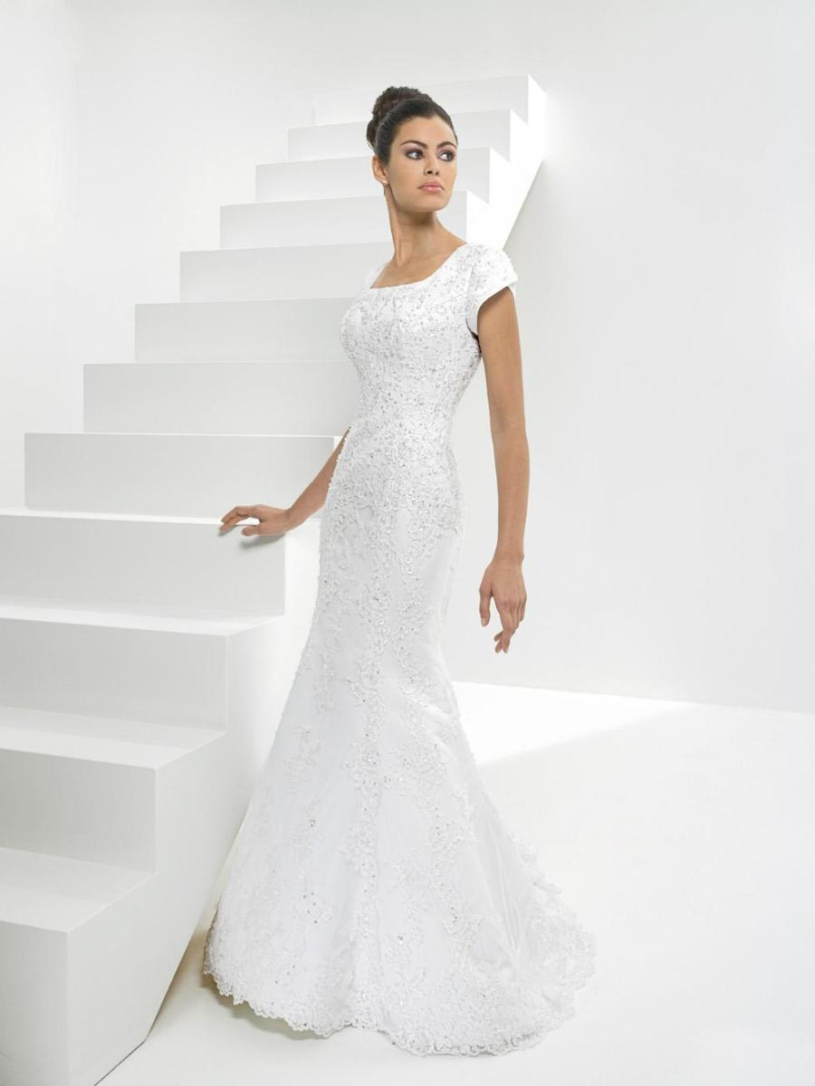 Curvy mermaid wedding dress with sleevescherry marry for Wedding dresses for short and curvy