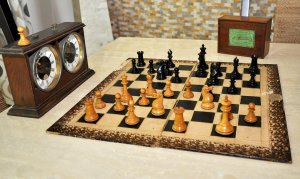Jaques Anderssen Library Size Chess Set