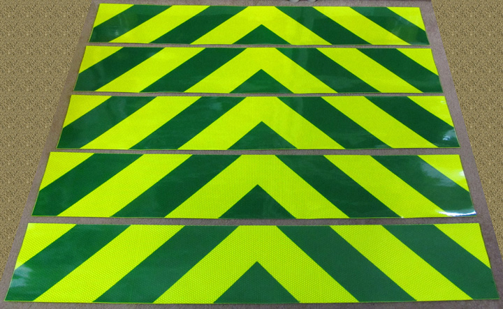 Green and Fluorescent Lime Yellow Chevron Panel (stripes