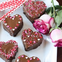 Chocolate Peanut Butter Heart Cakes
