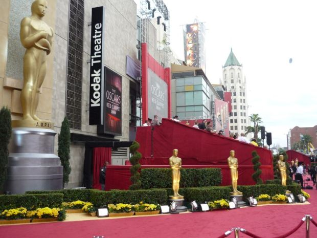 Red_carpet_at_81st_Academy_Awards_in_Kodak_Theatre