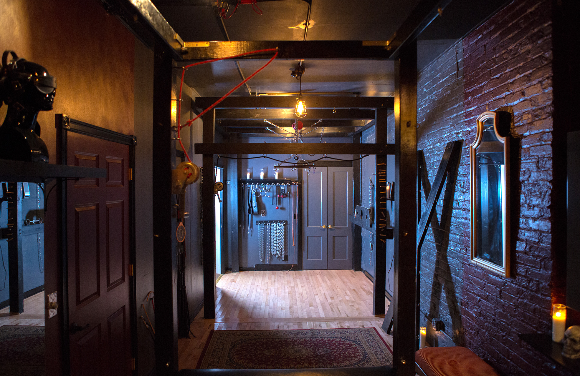 Meuble Bdsm The Chamber Available For Rent By The Hour, Day Or Overnight