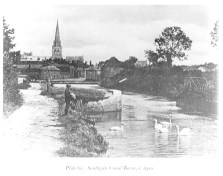 Padwick Bridge: view of customs houses and cathedral