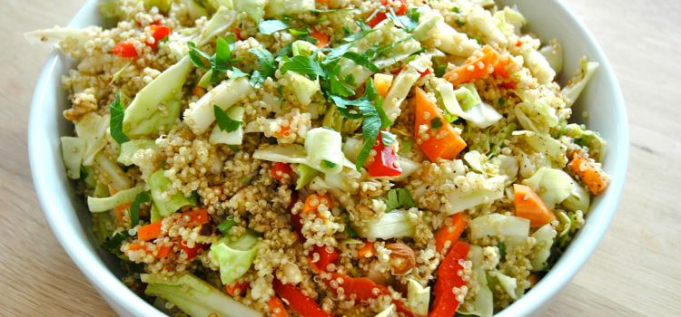 crunchy-quinoa-cabbage-salad-close-up
