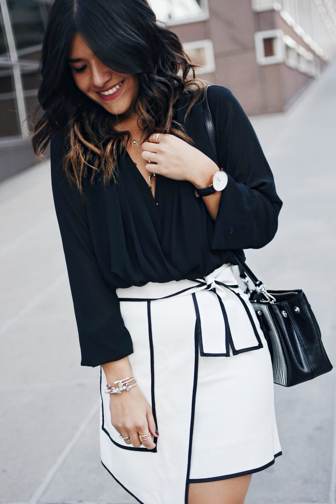 A BLACK AND WHITE OUTFIT FOR THE HOLIDAYS