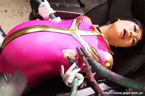 触手に乳首を犯されるフェザーピンク