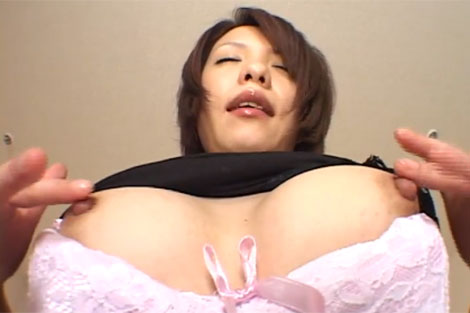 乳首の弄り方もエロくて良い