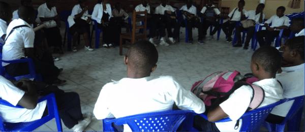 réunion des jeunes sur la paix