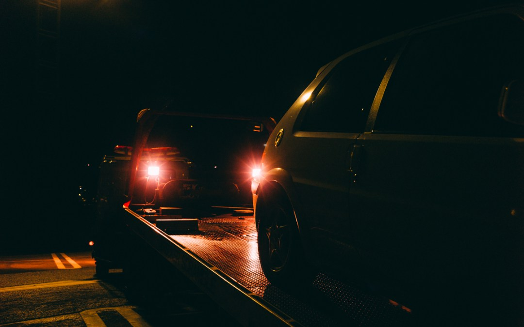 Night Time Breakdown – Stay Safe While Waiting In The Dark